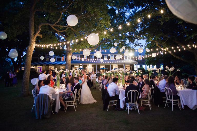 A Beach Wedding At Ram S Head Inn On Shelter Island In The Hamptons Long